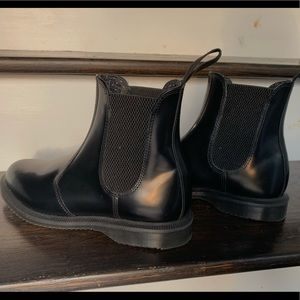Dr.Martens all black Chelsea boots